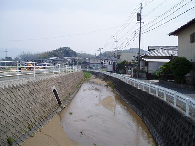 上西郷川 整備前