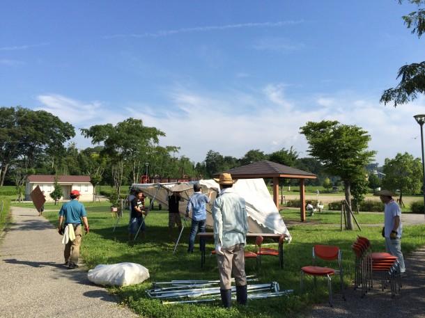 本部テント、休憩所テントの設営