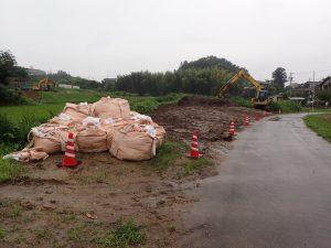 浚渫土砂の揚土場。ここで土砂の水分落として搬出するとのこと。