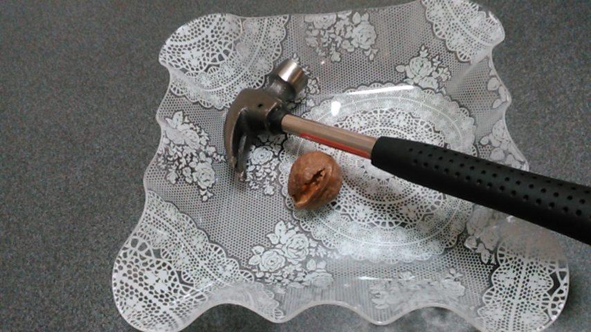 固いクルミを上手に割って美味しく活用する方法
