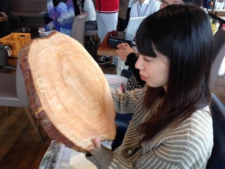 カワサポ 木こりイベントの模様がサカエ経済新聞に掲載されました