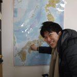 事務所の壁の全国地図。今回登録頂いた漁協様の所在地に赤丸シールを追加。目指せ全国制覇!